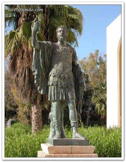 الإمبراطور سبتيموس إبن مدينة لبدة