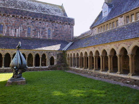 patrick-dieudonne-cloisters-iona-abbey-isle-of-iona-scotland-united-kingdom-europe