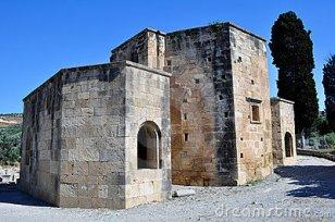 basilica-ayios-titos-saint-titus-11107200كنيسة أيوس تيتوس (سانت تيتوس)