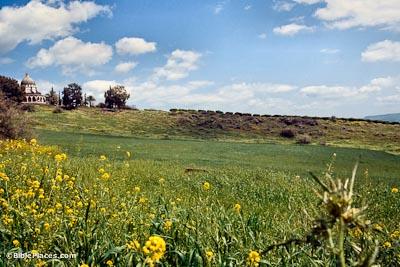 Mount-of-Beatitudes-hillside,-tbs75359303-bibleplaces
